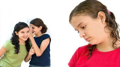 ویژگی افرادی که عزت نفس پایینی دارند,خصوصیات افرادی که اعتماد به نفس بالایی دارند